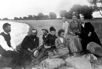 South Dakota Magazine editors are searching for the state's oldest buildings and artifacts, dating back to when Arthur Mellette (shown second from left) was our territorial governor. Photo courtesy of the Mellette Memorial Association.