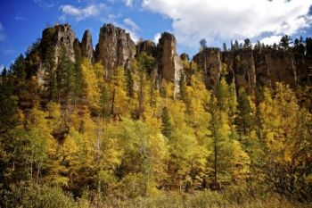 Fall colors decorate the canyon walls.