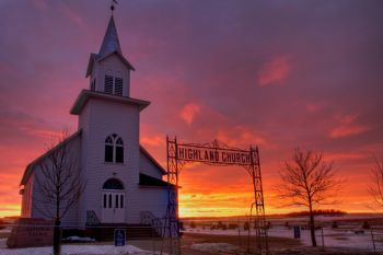 A winter Sunday morning at Highland Church north of Garretson.