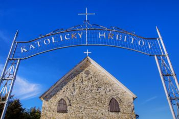 """Katolicky Hrbitov"" means ""Catholic Cemetery"" in Czech."