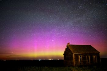 On the same evening a surprise outburst of Northern lights graced the horizon.