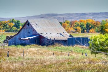 A lonely barn near New Underwood.