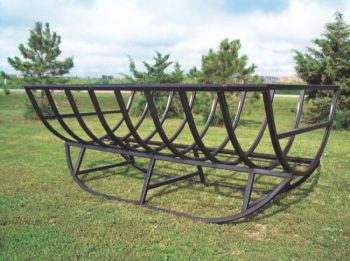 Kelly Melius and Bill Keldsen created this elevated Common Sense bale feeder in 1999. Photo by Kelly Melius.