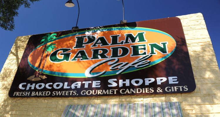 Palm Garden Cafe closed for several decades before being reopened a few years ago with much of the original decor. The Aberdeen eatery s broasted chicken recipe dates back to 1932.
