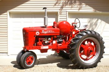 Farmall tractor, owned by Wilbur Goehring.