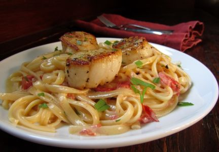 Sweet scallops over linguini could win your Valentine s heart.